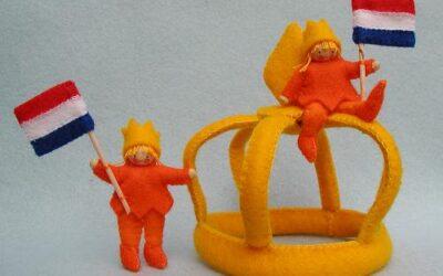koningskinderen met vlaggetjes