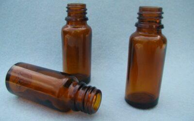 Bruin glazen flesje 90 mm