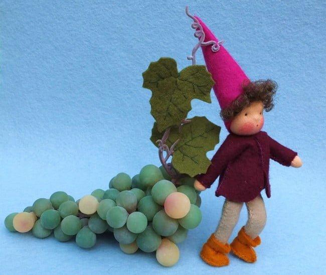 Kabouter met druiven