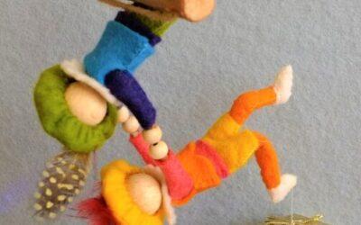 Twee acrobaatpietjes