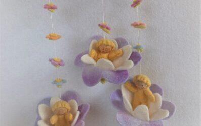 drie bloemenschommeltjes