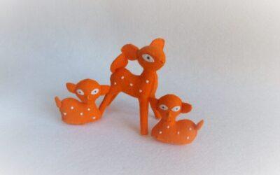 Drie oranje hertjes