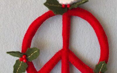 Peacehanger in kerstversie: een gratis patroon voor jou